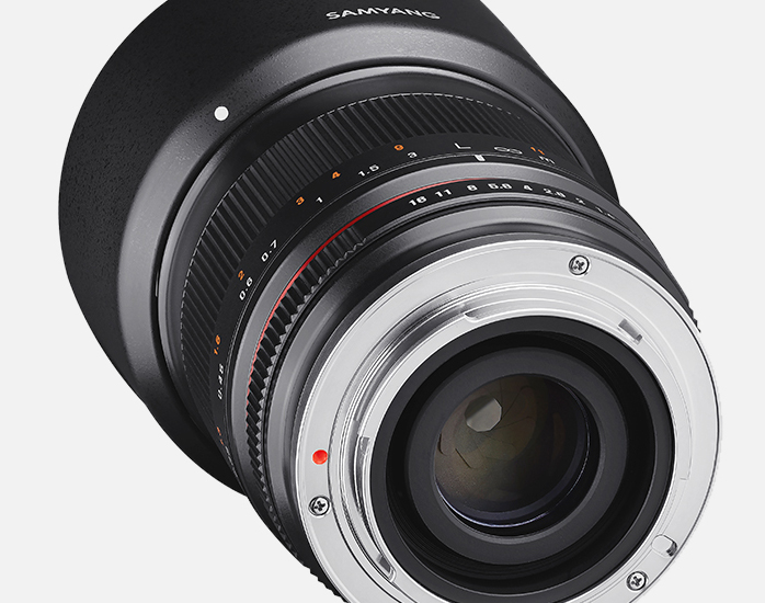 samyang-product-photo-mf-lenses-35mm-f1.2-camera-lenses-banner_03